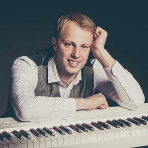 Pianist Lauri Lehtsaar